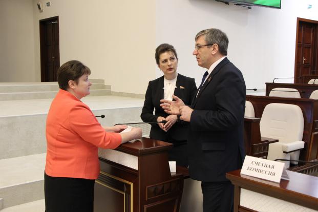 Обсуждение законопроектов перед началом работы
